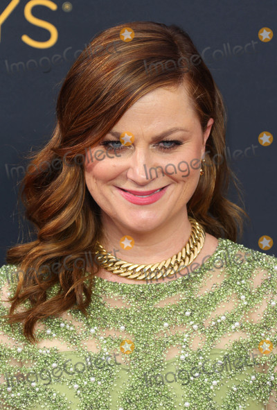 Amy Poehler Photo - Photo by REWestcomstarmaxinccomSTAR MAX2016ALL RIGHTS RESERVEDTelephoneFax (212) 995-119691816Amy Poehler at The 68th Emmy Awards in Los Angeles CA