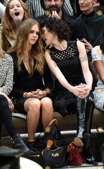Annie Clark Photo - Photo by KGC-03starmaxinccomSTAR MAXCopyright 2015ALL RIGHTS RESERVEDTelephoneFax (212) 995-119692115Cara Delevingne and Annie Clark aka St Vincent are seen at the Burberry Prorsum Runway Show during London Fashion Week SS16(London England UK)