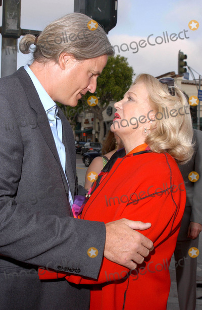 Gena Rowlands Photo - Photo by Lee Rothstarmaxinccom200462104Nick Cassavetes and mother Gena Rowlands at the world premiere of The Notebook(Westwood CA)