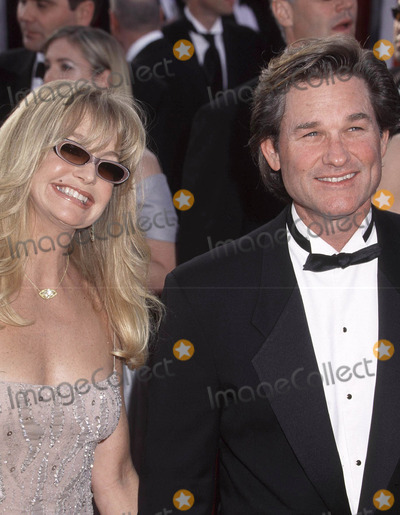 Goldie Hawn Photo - Photo By Russ Einhorn 3_25_01Copyright Star Max 200173rd Annual Academy AwardsThe Shrine AuditoriumLos Angeles_CaliforniaGoldie Hawn_Kurt Russell No_2