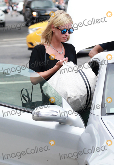 Nicky Hilton Photo - Photo by KGC-146starmaxinccomSTAR MAXCopyright 2015ALL RIGHTS RESERVEDTelephoneFax (212) 995-11969115Nicky Hilton is seen in New York City(NYC)