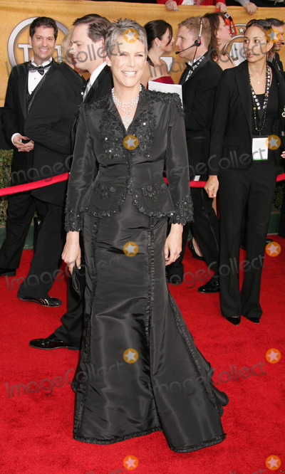 Jamie Lee Curtis Photo - Photo by REWestcomstarmaxinccom200612906Jamie Lee Curtis at the 12th Annual Screen Actors Guild (SAG) Awards(Los Angeles CA)
