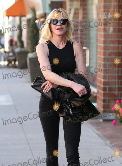 Melanie Griffith Photo - Photo by VPRFstarmaxinccomSTAR MAXCopyright 2017ALL RIGHTS RESERVEDTelephoneFax (212) 995-119632917Melanie Griffith is seen in Los Angeles CA