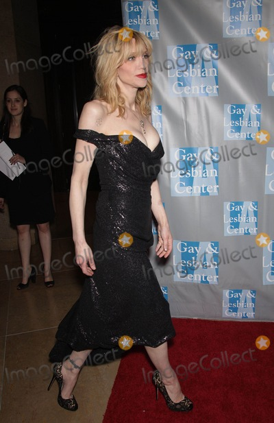 Courtney Love Photo - Photo by KGC-11starmaxinccomSTAR MAX2012ALL RIGHTS RESERVEDTelephoneFax (212) 995-119651912Courtney Love at An Evening with Women(Beverly Hills CA)US syndication only