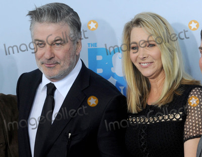 Alec Baldwin Photo - Photo by Dennis Van TinestarmaxinccomSTAR MAX2017ALL RIGHTS RESERVEDTelephoneFax (212) 995-119632017Alec Baldwin and Lisa Kudrow at the premiere of Baby Boss in New York City