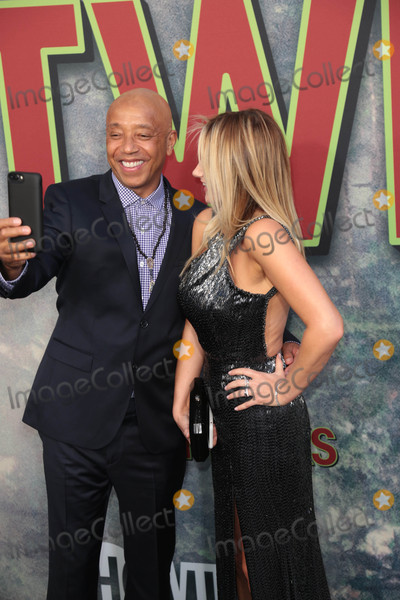 Amy Shiels Photo - Photo by gotpapstarmaxinccomSTAR MAX2017ALL RIGHTS RESERVEDTelephoneFax (212) 995-119651917Russell Simmons and Amy Shiels at the premiere of Showtimes Twin Peaks in Los Angeles CA