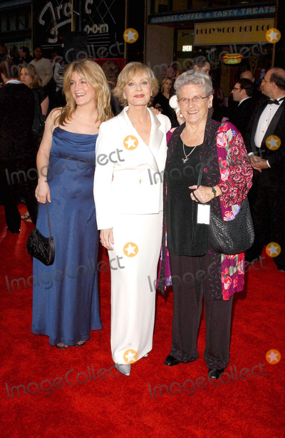 Ann B Davis Photo - Photo by Lee RothSTAR MAX Inc - copyright 2003ALL RIGHTS RESERVEDTelephoneFax (212) 995-11963162003Florence Henderson Ann B Davis and Susan Olsen at ABCs 50th Anniversary Celebration(Hollywood CA)