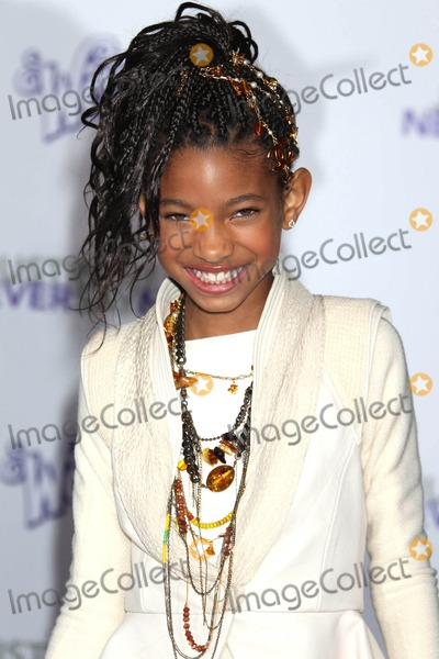 Willow Smith Photo - Photo by REWestcomstarmaxinccom20112811Willow Smith at the premiere of Never Say Never(Los Angeles CA)