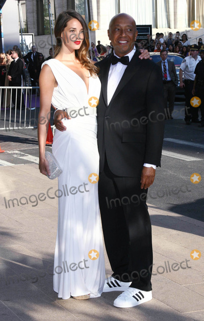 Angela Bellotte Photo - Photo by Victor Malafrontestarmaxinccom20116611Angela Bellotte and Russell Simmons at the CFDA Awards(NYC)