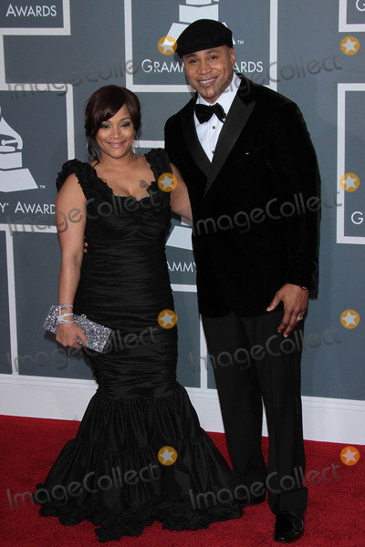 LL Cool J Photo - Photo by Quasarstarmaxinccom2012STAR MAXALL RIGHTS RESERVEDTelephoneFax (212) 995-119621212LL Cool J and wife at the 54th Annual Grammy Awards(Los Angeles CA)