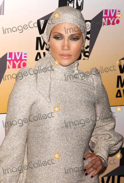 Jennifer Lopez Photo - Photo by Walter Weissmanstarmaxinccom200683106Jennifer Lopez at the 2006 MTV Video Music Awards(Radio City Music Hall NYC)