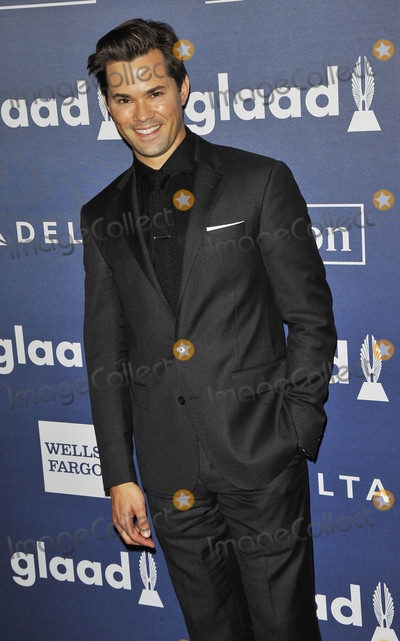 Andrew Rannells Photo - Photo by Patricia SchleinstarmaxinccomSTAR MAX2016ALL RIGHTS RESERVEDTelephoneFax (212) 995-119651416Andrew Rannells at The GLAAD Media Awards(NYC)