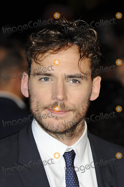 Sam Claflin Photo - Photo by KGC-138starmaxinccomSTAR MAXCopyright 2015ALL RIGHTS RESERVEDTelephoneFax (212) 995-119611515Sam Claflin at the premiere of The Hunger Games Mockingjay - Part 2(London England UK)