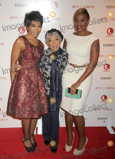Mary J Blige Photo - Photo by Dennis Van Tinestarmaxinccom2013starmaxinccomALL RIGHTS RESERVEDTelephoneFax (212) 995-119612813Angela Bassett Ruby Dee and Mary J Blige at the premiere of Betty  Coretta(NYC)