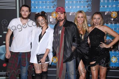 Brandi Cyrus Photo - Photo by KGC-11starmaxinccomSTAR MAX2015ALL RIGHTS RESERVEDTelephoneFax (212) 995-119683015Braison Cyrus Noah Cyrus Billy Ray Cyrus Tish Cyrus and Brandi Cyrus at the 2015 MTV Video Music Awards(Los Angeles CA)