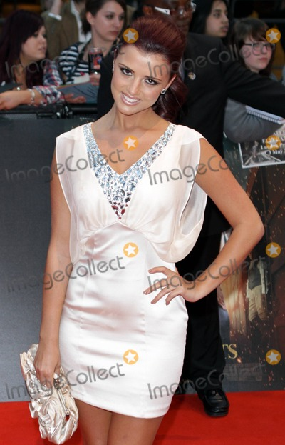 Lucy Meck Photo - Lucy Meck at the premiere of Water for Elephants at the Vue in London UK 5311