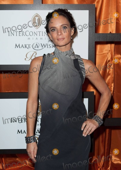 Shareef Malnik Photo - English actress Gabrielle Anwar walks the red carpet with her boyfriend Miami restaurateur Shareef Malnik at the 16th Annual Intercontinental Miami Make-A-Wish Ball Miami FL 110610