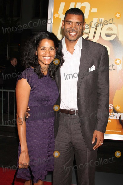 Allan Houston Photo - New York NY 09-15-2009Allan Houston and wife Tamara at the premiere of  THE INFORMANT at the Ziegfeld TheatreDigital photo by Lane Ericcson-PHOTOlinknet