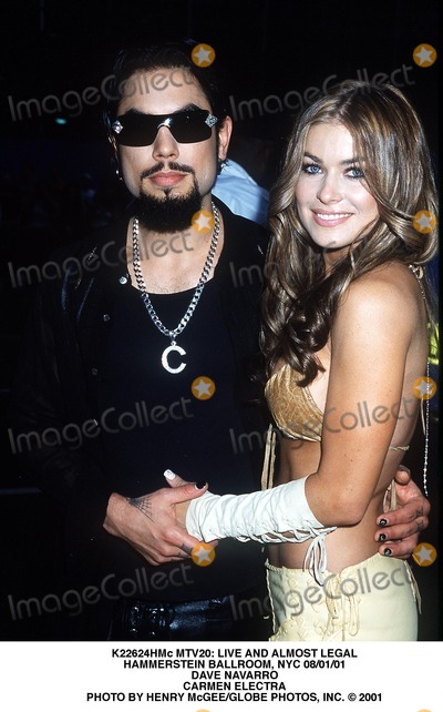Dave Navarro Photo - Mtv20 Live and Almost Legal Hammerstein Ballroom NYC 080101 Dave Navarro Carmen Electra Photo by Henry McgeeGlobe Photos Inc