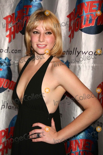 Ari Graynor Photo - Ari Graynor Arriving at the Opening Night Party For the Little Dog Laughed at Planet Hollywood Times Square in New York City on 11-13-2006 Photo by Henry McgeeGlobe Photos Inc 2006