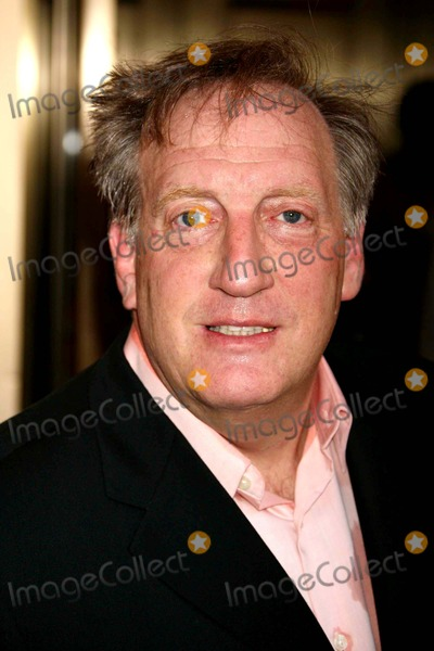 Alan Zweibel Photo - Alan Zweibel Arriving at the Opening Night of Martin Short Fame Becomes ME at the Bernard B Jacobs Theatre in New York City on 08-17-2006 Photo by Henry McgeeGlobe Photos Inc 2006