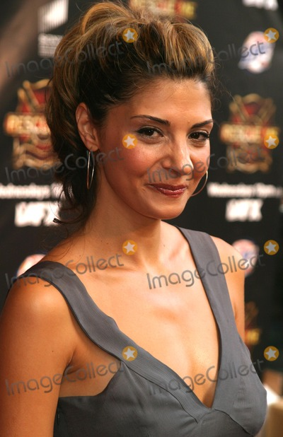 Callie Thorne Photo - Callie Thorne Arriving at the Premiere Screening of the New Fx Series Rescue ME at Loews Lincoln Square Theaters in New York City on July 19 2004 Photo by Henry McgeeGlobe Photos Inc 2004