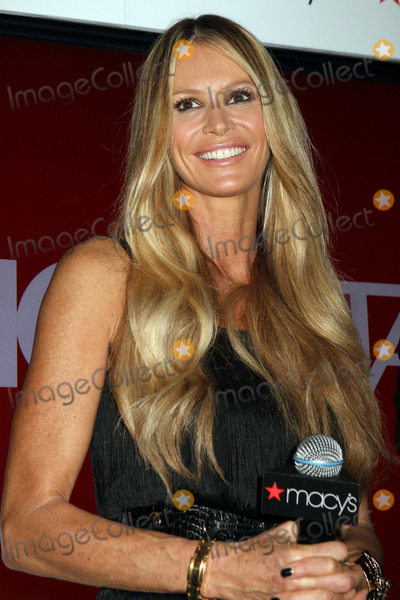 Elle Macpherson Photo - Elle McPherson at Macys Celebrates Fashion Star With Elle Macpherson Nicole Richie And John Varvatos at Macys Herald Square on March 13 2012 in New York City