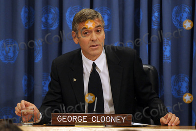 Here's Proof That Clooney Only Gets Better With Age - Page 6 6c79c27a5ae4089