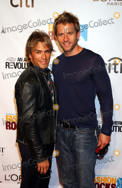 AARON BENWARD Photo - NEW YORK SEPTEMBER 8 2005    Scott Reeves and Aaron Benward at the Fashion Rocks Concert held at Radio City Music Hall