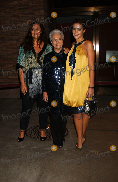 Angela Missoni Photo - Angela Missoni Rosita Missoni and Margherita Missoni attend the Glamour Magazine Awards honoring the 2006 Women of the Year