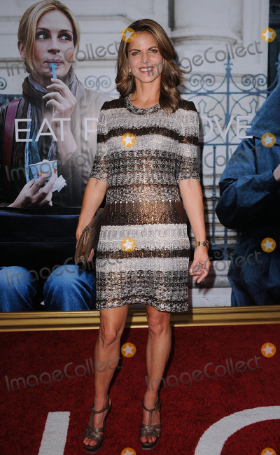 AMANDA SCHWAB Photo - Amanda Schwab at the premiere of the new movie Eat praylove at the Zeigfeld Theatre on August 10 2010 in New York City