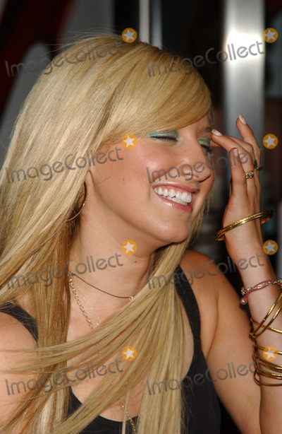 ASLEY TISDALE Photo - Ashley Tisdale attends The Devil Wears Prada Premiere