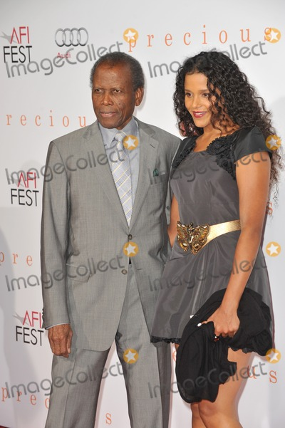 Sydney Poitier Photo - Sidney Poitier  daughter Sydney Tamiia Poitier at the Los Angeles premiere of Precious based on the novel Push by Sapphire at Graumans Chinese Theatre Hollywood as part of the AFI Fest 2009November 1 2009  Los Angeles CAPicture Paul Smith  Featureflash