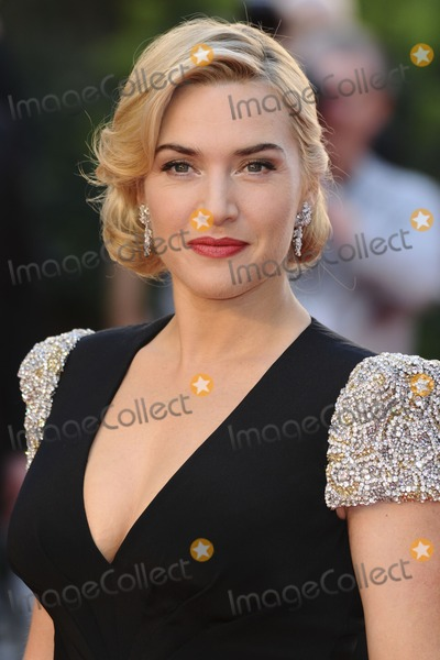 Kate Winslet Photo - Kate Winslet arriving for the Titanic 3D premiere at the Royal Albert Hall Kensington London 27032012 Picture by Steve Vas  Featureflash