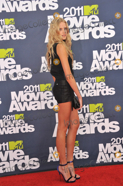 Gabriella Wilde Photo - Gabriella Wilde at the 2011 MTV Movie Awards at the Gibson Amphitheatre Universal Studios HollywoodJune 5 2011  Los Angeles CAPicture Paul Smith  Featureflash