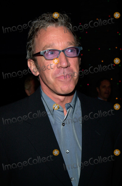 The Grinch Photo - Actor TIM ALLEN at the world premiere at Universal City of Dr Seuss How The Grinch Stole Christmas08NOV2000   Paul Smith  Featureflash