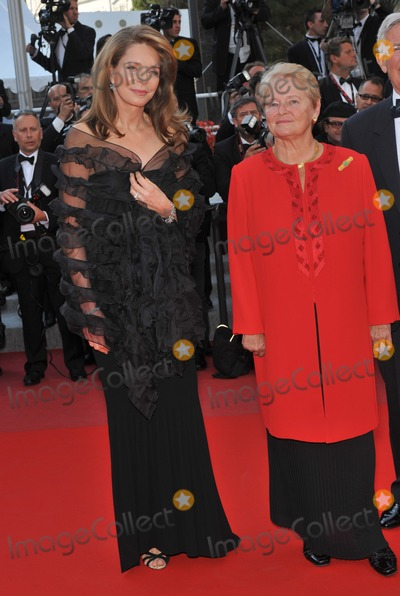 Queen Noor of Jordan Photo - Queen Noor of Jordan  former Norwegian prime minister Dr Gro Bruntland (right) at the premiere of Countdown to Zero at the 63rd Festival de CannesMay 17 2010  Cannes FrancePicture Paul Smith  Featureflash