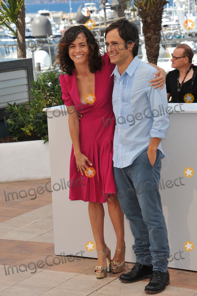 Alice Braga Photo - Alice Braga  Gael Garcia Bernal at the photocall for their movie El Ardor at the 67th Festival de CannesMay 18 2014  Cannes FrancePicture Paul Smith  Featureflash