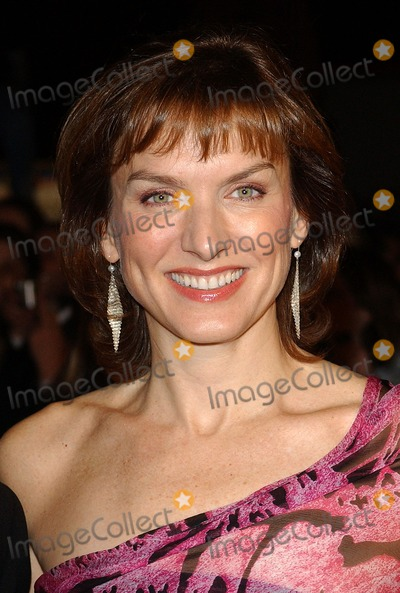 Fiona Bruce Photo - London Fiona Bruce at the National Television Awards 2005 held at  the Royal Albert Hall25 October 2005Eric BestLandmark Media
