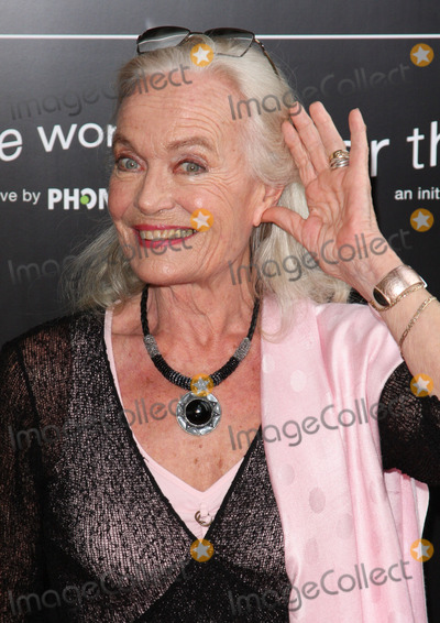 Shirley Eaton Photo - London UK Shirley Eaton at the Bryan Adams Hear The World Photographic Exhibition at the Saatchi Gallery London 21st July 2009Keith MayhewLandmark MediaLondon UK Shirley Eaton at the Bryan Adams Hear The World Photographic Exhibition at the Saatchi Gallery London 21st July 2009Keith MayhewLandmark Media