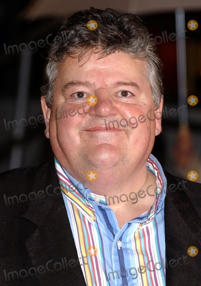 Robbie Coltrane Photo - London  Robbie Coltrane at the premiere of  his  film Harry Potter and the Goblet of Fire 6th November 2005 Eric BestLandmark Media