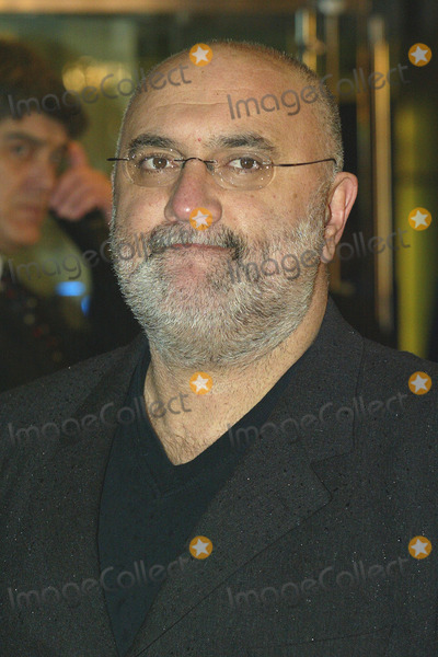 Alexei Sayle Photo - London Alexei Sayle  at the premiere of new film Harry Potter and the Goblet of Fire 6th November 2005 Jenny Roberts Landmark Media