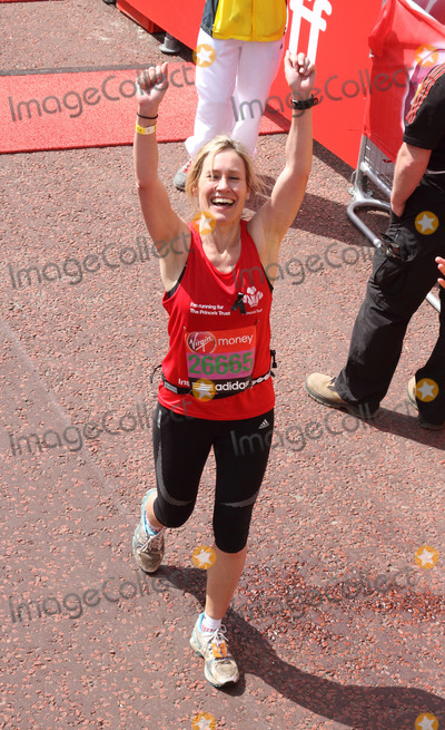 Sophie Raworth Photo - London UK Sophie Raworth at the finish of the race during Virgin London Marathon 2013 April 21st 2013Keith MayhewLandmark Media