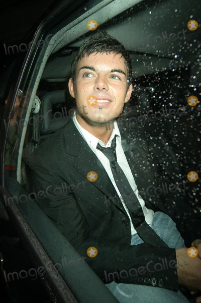 Anthony Hutton Photo - London Anthony Hutton from Big Brother 6 outside Londonss Embassy nightclub where the Celebrity Love Island reunion party took place15 September 2005FlashburstLandmark Media