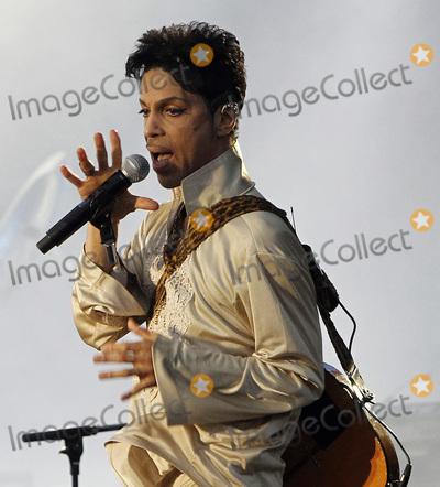 Prince Photo - UK PRINCE performing live at  HOP FARM FESTIVAL 2011 in Kent  UK 3rd July 2011Ref LMK356-60214-220416Marilyn KingwillLandmark Media WWWLMKMEDIACOM