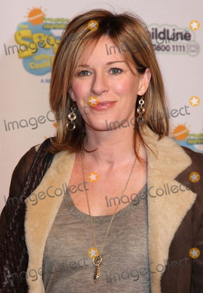 Andrea Catherwood Photo - London UK Andrea Catherwood at the Spongebob Squarepants - The Sponge who could Fly Gala performance at the Hammersmith Apollo in London 5th March 2009Keith MayhewLandmark Media