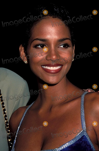 Halle Berry Photo - Losing Isaiah Premiere Photo Barry King Ipol Globe Photos Inc 1995 Halle Berry