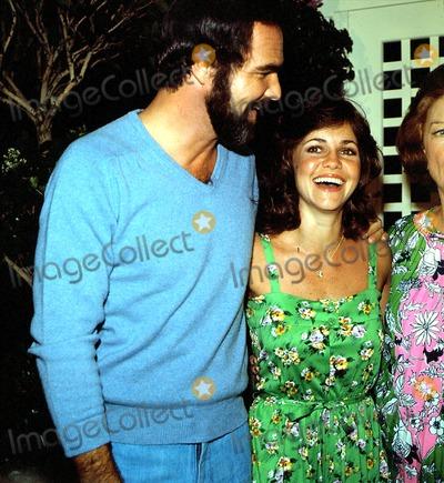 Burt Reynolds Photo - Burt Reynolds and Sally Fields G477a Globe Photos Inc
