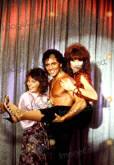 Amanda Bearse Photo - Married with Children Photo Supplied by Globe Photos Inc Amanda Bearse Billy Hufsey and Katey Sagal