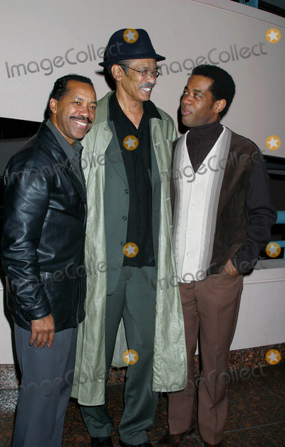 Alex Desert Photo - Hbo Presents the Los Angleles Premiere of Beah a Black Woman Speaks at the Museum of Tolerance Los Angeles California 02032004 Photo by Clinton H WallaceipolGlobe Photos Inc 2004 Obba Babatunde Dick Anthony Williams and Alex Desert